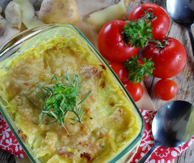 Snadný pokrm pro letní odpočinkové dny? Bramborový třesanec s hermelínovou peřinkou