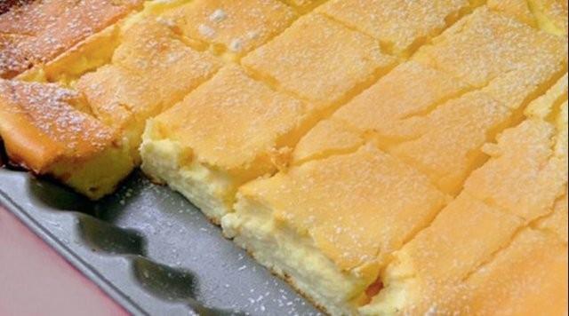 Nejjemnější tvarohový koláč hotový za 5 minut a stačí jen pár ingrediencí recept