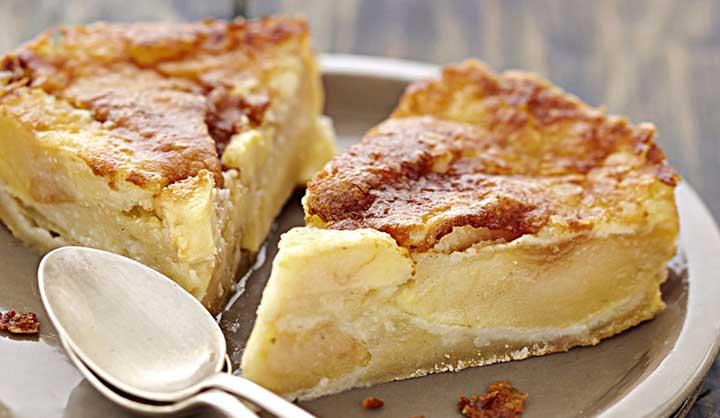 Měkký koláč s jablky a slaným máslem