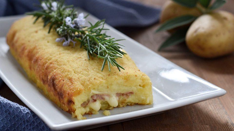 Bramborový chléb se šunkou a mozzarellou
