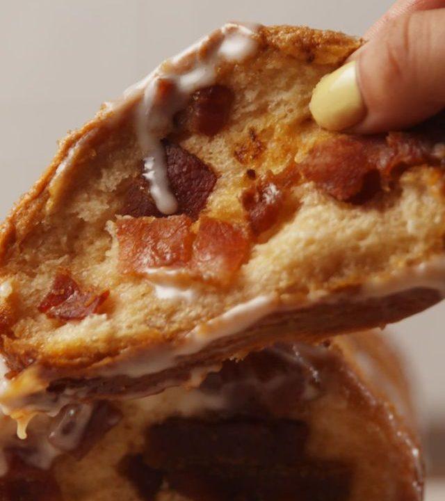 Chléb Pull-Apart s javorovou slaninou