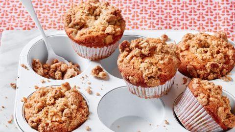 Hruškové a kokosové muffiny s drobenkou