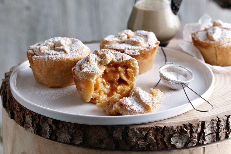Karamelové jablečné koláče s dulce de leche