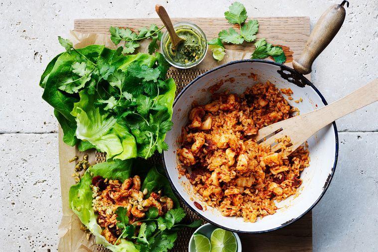Krevety, kimči a chilli smažená rýže san choy bow